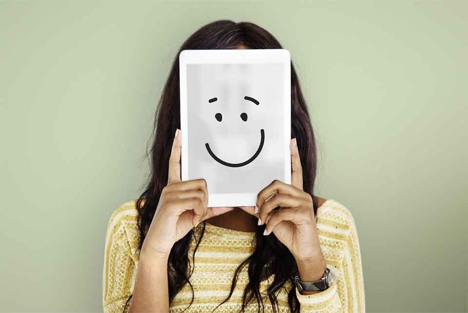 本当はあるのに無視され続けると感情は行き場を失います。