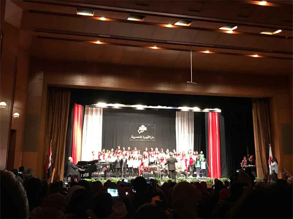 エジプト人の合唱コンサート参加者